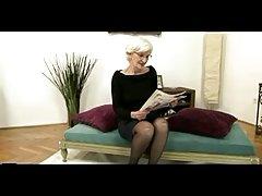 Sivé vlasy babička dostane creampie